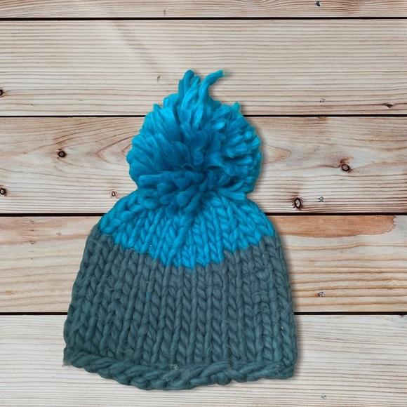 Free people knit beanie with Pom Pom top